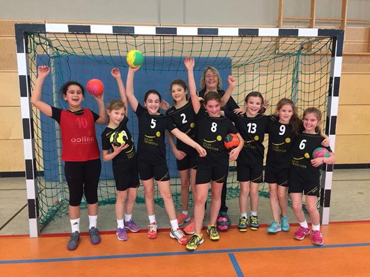 Endlich mal komplett war die wE Jugend heute in Leopoldshafen und gewann dort deutlich…