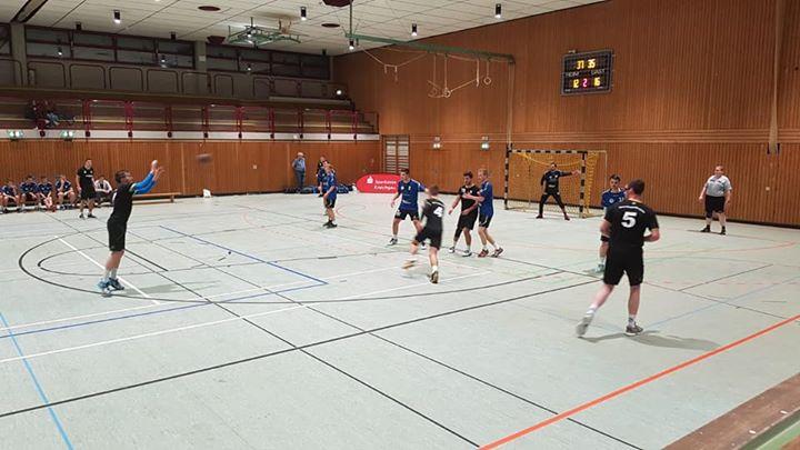 Am Sonntag den war unsere Herrenmannschaft siegreich mit 27:23 beim TV Neuthardt zu Gast.…