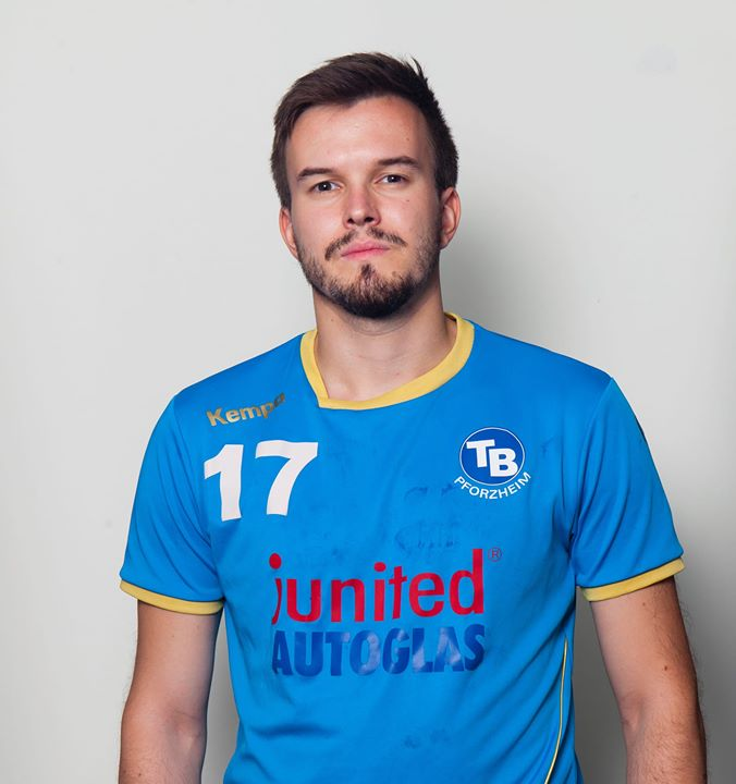 Name: Nikolas Schlebrowski Spitzname: SchleBron, Niko Geburtstag: Beruf: Beamter Position: RM,RL,LA Beim TB seit:…