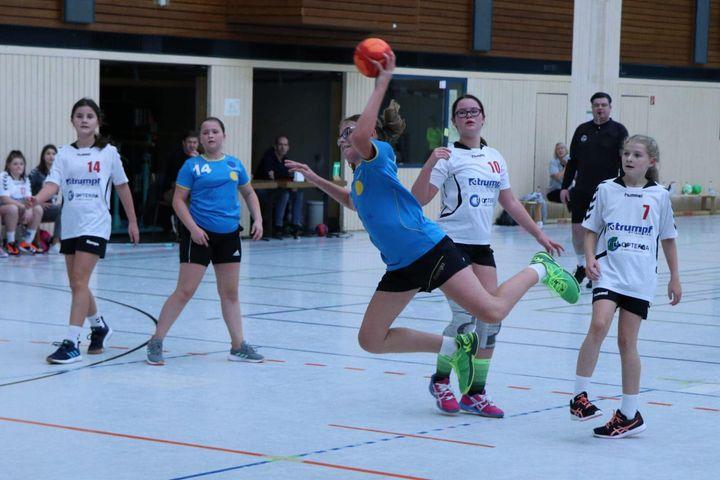 +++ wD Jugend +++ Handballkrimi der weiblichen D-Jugend des TB Pforzheim gegen Walzbachtal wurde…
